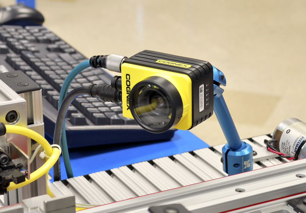 Smart Factory Vision Inspection Learning System | Amatrol